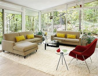 I love the large windows and the airy feeling of the room.