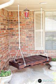 DIY-wooden-pallet-turned-swing